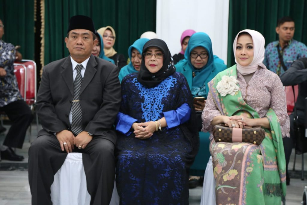 Ketua Tim Penggerak PKK dan Dekranasda Kota Cirebon Resmi Dilantik