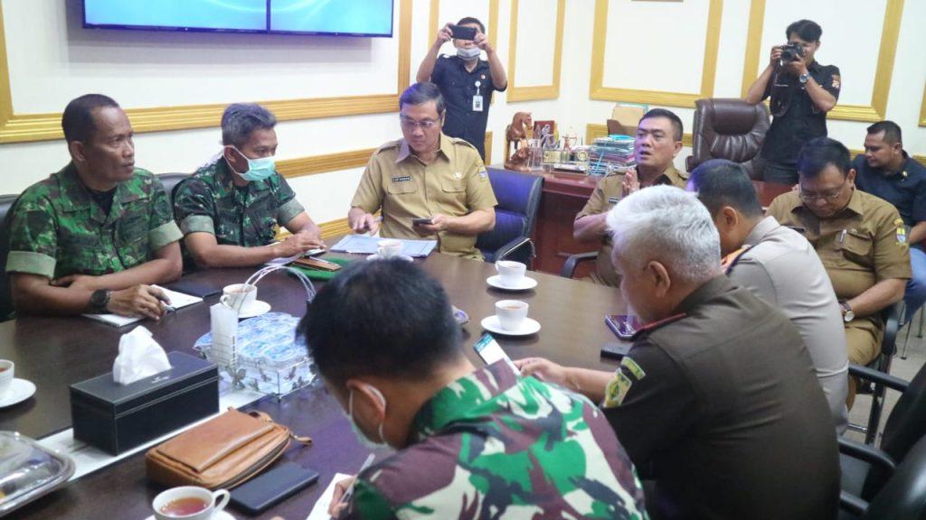 Wali Kota : Pemda Kota Cirebon Terus Tingkatkan Kewaspadaan Penyebaran Virus Covid-19