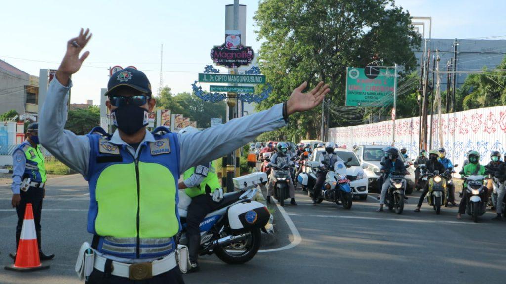Pemda Kota Cirebon Tutup Sejumlah Ruas Jalan Guna Memaksimalkan PSBB