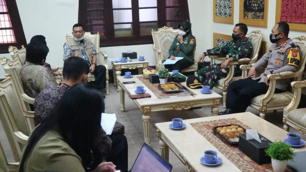 Wali Kota Cirebon Usulkan Pembagian Bantuan Diantar Langsung ke Alamat Penerima
