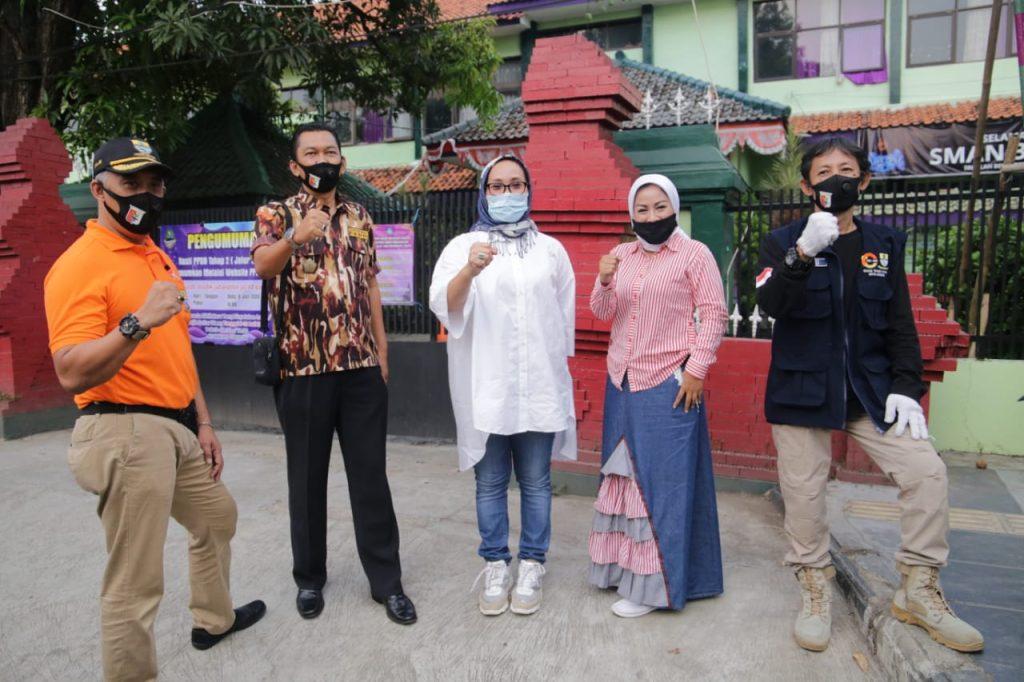 Pemda Kota Cirebon Tebar Ribuan Masker untuk Mendukung Penerapan AKB