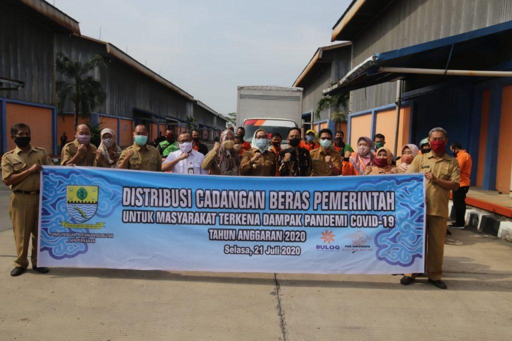 Pemda Kota Cirebon Salurkan Bansos Beras Tahap Kedua Untuk Warga Terdampak Pandemi Covid-19