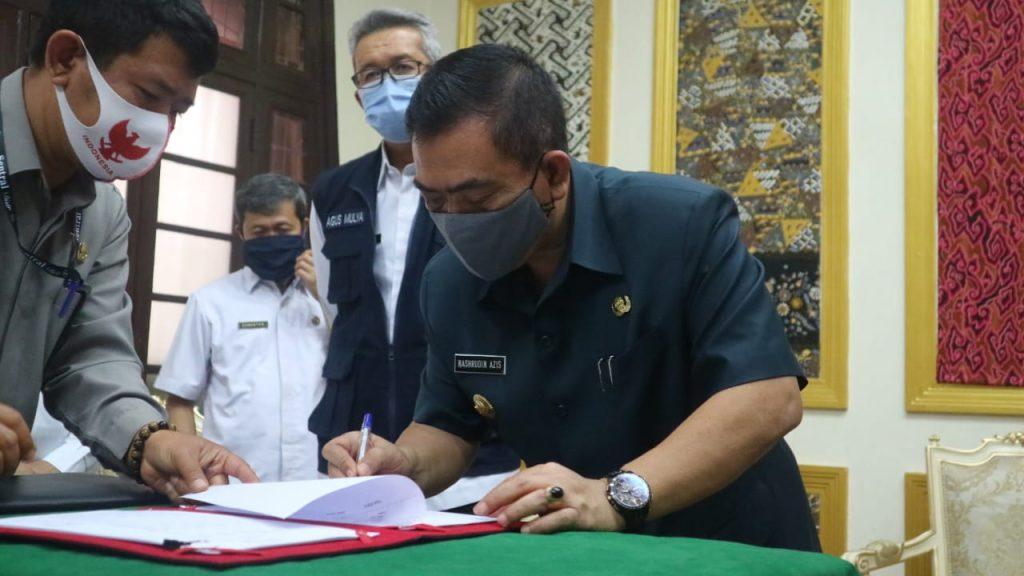 Pemda Kota Cirebon Teken Kontrak Kerjasama Penyediaan Air Minum
