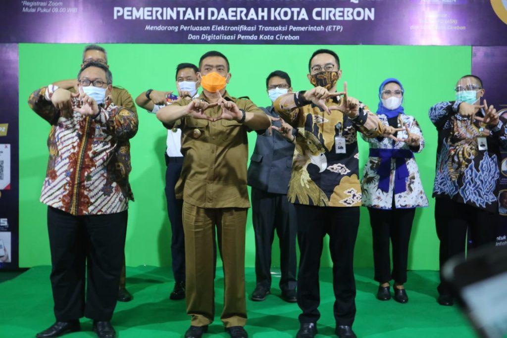Wali Kota Minta ASN di Kota Cirebon Sosialisasikan Transaksi Non Tunai Untuk Cegah Covid-19