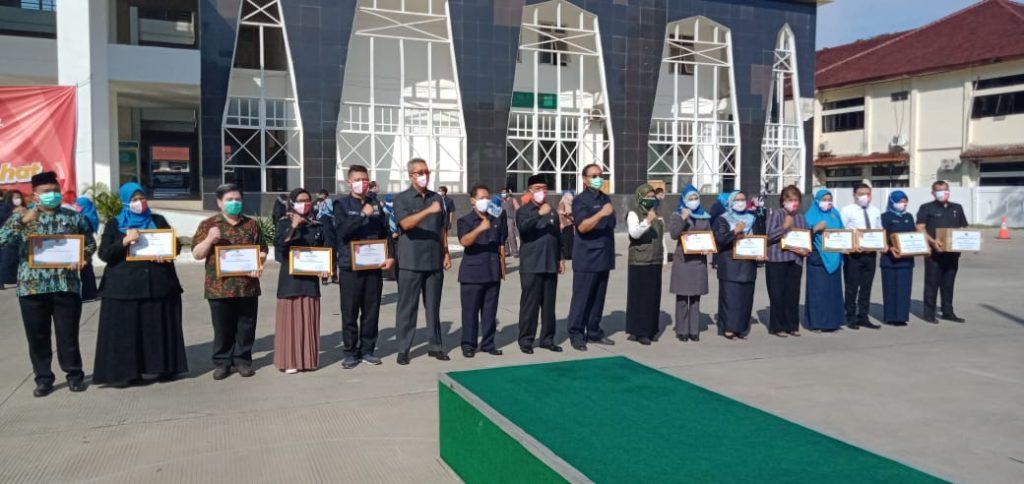 Penghargaan Diberikan, Wali Kota Cirebon Minta Semangat Tenaga Medis Rawat Pasien di Masa Pandemi Covid-19 Dijaga